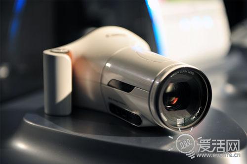 这款概念3D相机可以模拟人眼方式拍摄3D图像,像不像望远镜?-2011