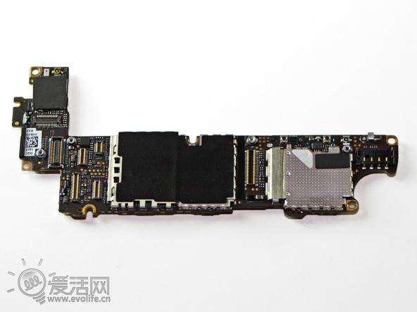 cn 爱手机 > 正文 >   继续肢解iphone 4s,iphone 4s的电路板和iphone