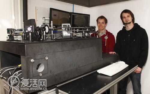 针尖上的舞蹈 科学家使用3D打印机制造世上最