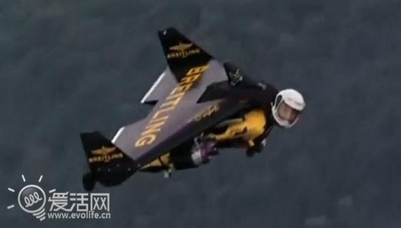 国外飞人使用喷气式飞行器飞越里约热