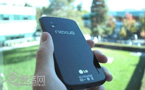 谷歌正式发布Nexus 4 299美元跑步进入四核时代