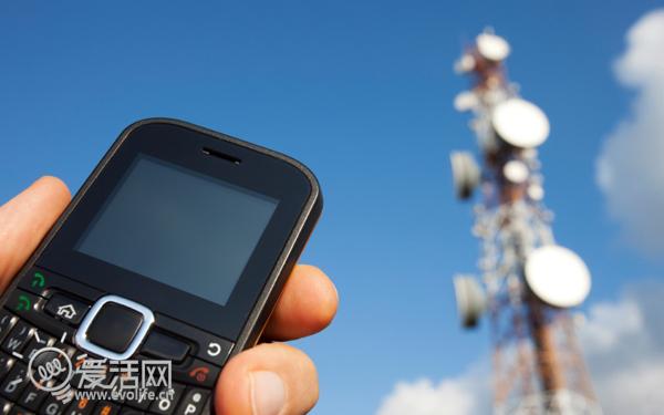 桑迪来袭大量信号塔倒塌 t-mobile与at&t共用信号塔