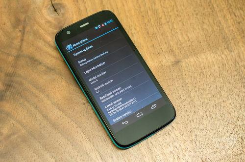 再来一发:摩托罗拉179美元级入门手机Moto G上手玩