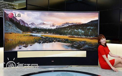 剪不断理还乱 三星也将在CES展示105英寸弯曲液晶电视