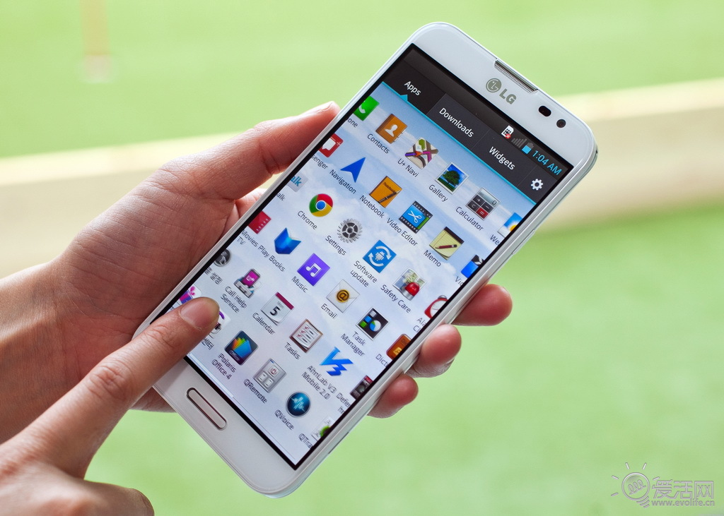 lg optimus g pro 2即将加入6英寸大屏手机俱乐部