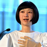 全球首位机器人美女主播亮相日本