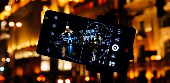 【爱活摄影课】你别嫌它小 花样可不少 用手机摄像头征服夜晚