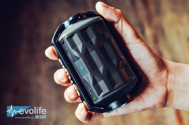 独有水上漂神技 Shoqbox mini蓝牙音箱