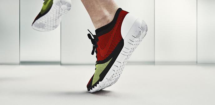 无缝针织材料升级 Nike Free Trainer 3.0 V4训练鞋看起来