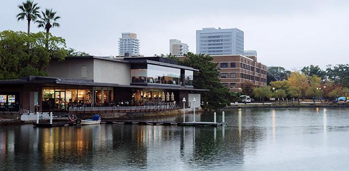 【趴啪走】带着小资情调上路 看细雨中的日本福冈