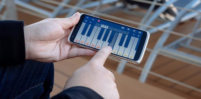 用上中兴AXON天机mini压力屏 来点和其他手机不一样的娱乐