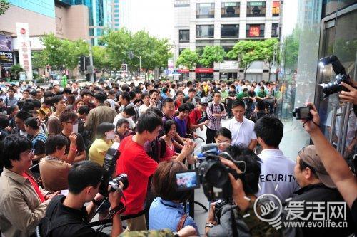 iPhone 4发布 苹果上海Apple Store淮海路香港广场店直击