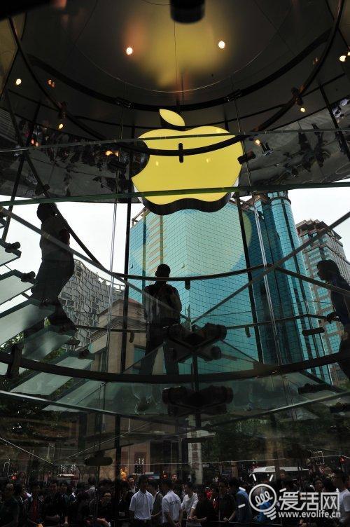 上海Apple Store香港广场店iPhone 4发布直击
