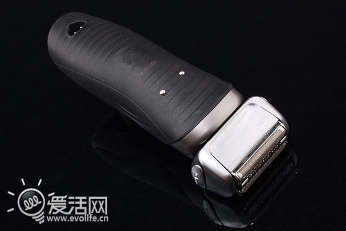 每分钟紧贴面部一万次 博朗790cc-4剃须刀体验