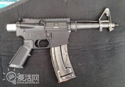 3D打印机再造神奇 国外军迷直接打印枪械