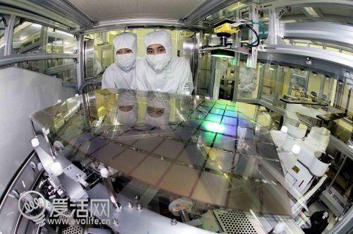 LG称三星侵犯自家OLED专利 要求禁售部分Galaxy设备