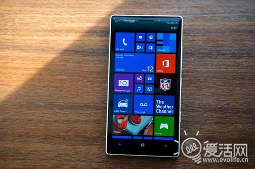 Lumia Icon上手简谈:厚重大块头的5寸WP8新机