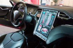 钢铁侠Musk助阵 直击上海特斯拉Model S交车仪式