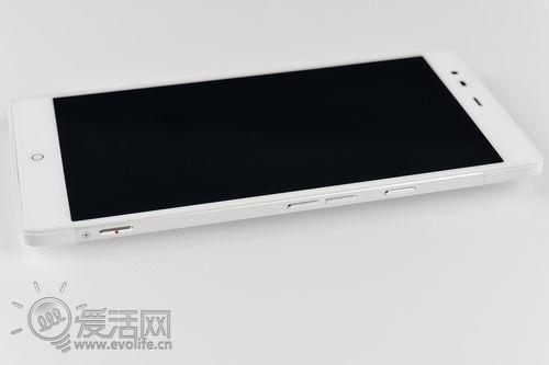 牛魔王nubia X6降临 一张下给大屏手机的挑战帖