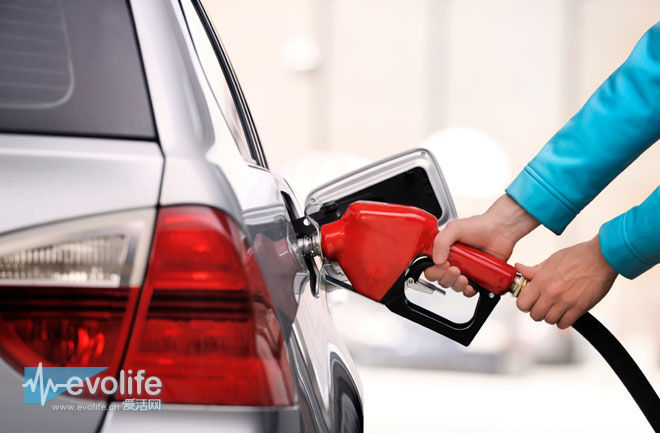 【我跟你说】给汽油车灌柴油这事儿 不是卖个萌就能解决的