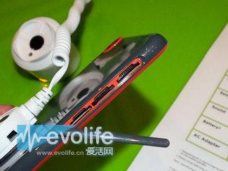 双色机身不单调 HTC Desire 820让中国率先享受64位安卓
