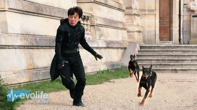 【我跟你说】跑步一旦被狗追 其实有很多解决方案