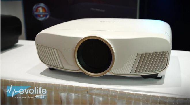 嫌HDR电视小? 爱普生有一台4K HDR投影仪想要卖给你
