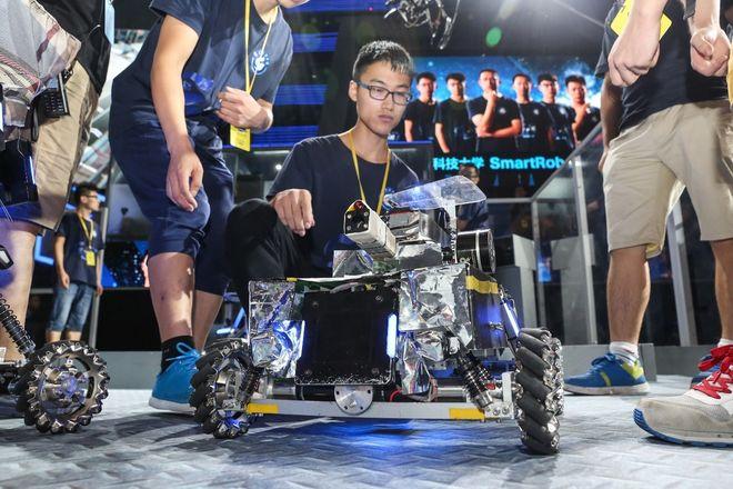 助跑青春 闪迪倾情赞助全国大学生机器人大赛