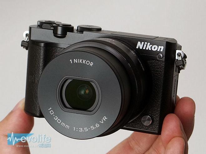 尼康自己造的无反相机 含着泪也只能停产1系列