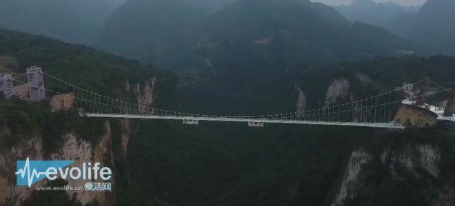 为找回阿凡达的感觉 张家界又开放了一座全球最长的玻璃天桥