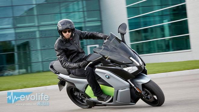 当i3变成双轮摩托 宝马C Evolution骑出了跑车感